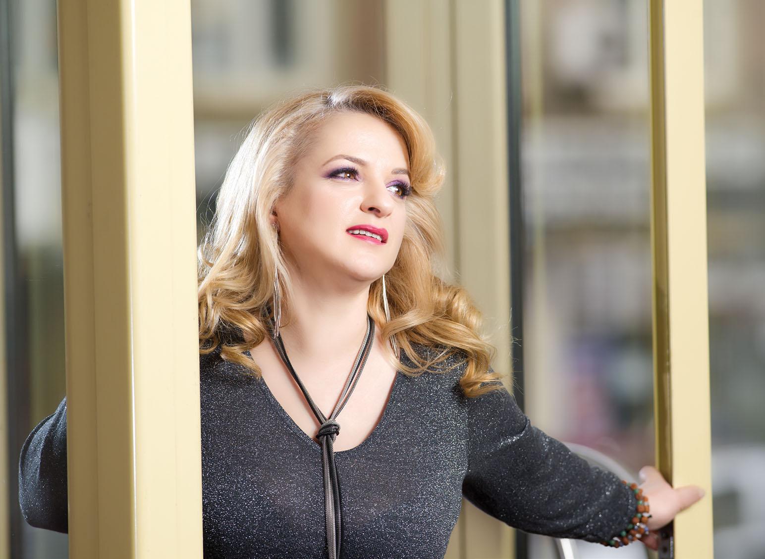 Lilana Levința interviu pentru revistatango.ro-Marea Dragoste, nr. 116, februarie 2016