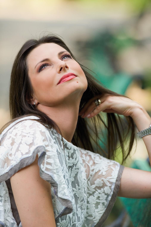 Livia Dila interviu pentru revistaTango nr. 72, octombrie 2011