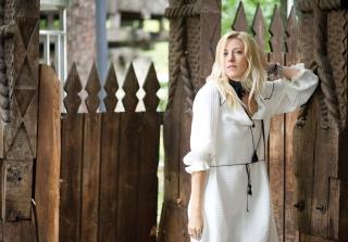Sonia Argint Ionescu - coperta si pictorial Marea Dragoste- RevistaTango.ro, nr 122, septembrie 2016